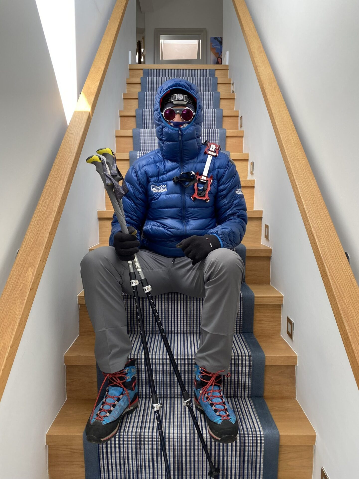 Ed Jackson to scale Mount Everest up his parent's staircase